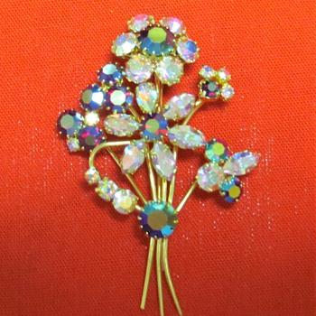 Vintage Flower Spray Brooch - Costume Jewelry