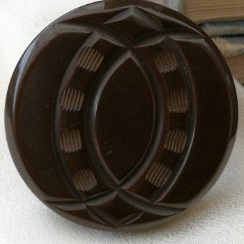 Bakelite piece made into a ring  - Costume Jewelry