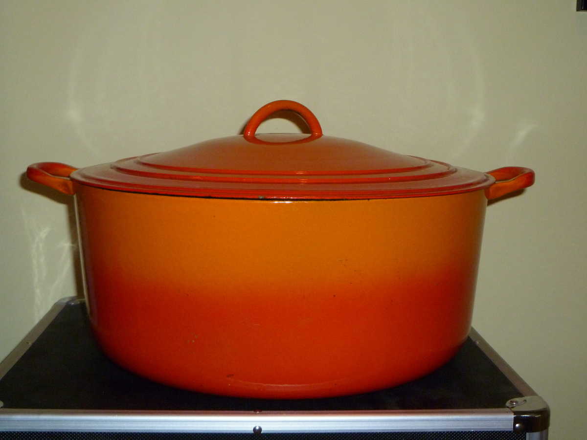 Dating vintage le creuset