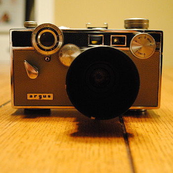 1959 Argus C3 Matchmatic - Cameras