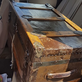 1880s Trunk?-need help  - Furniture