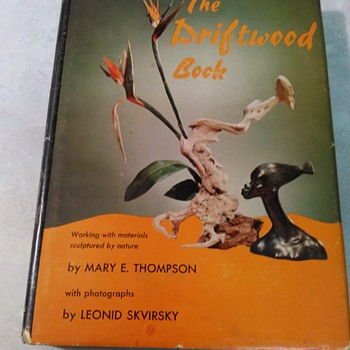 THE DRIFTWOOD BOOK - Books