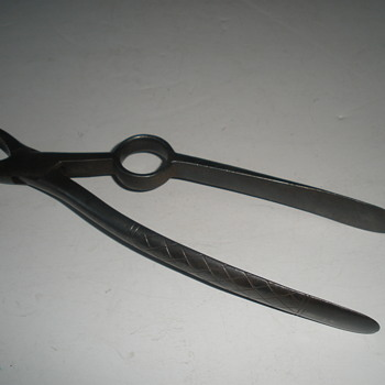 vintage tooth pulling pliers - Tools and Hardware