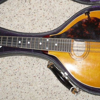 1918 Gibson A3 Mandolin - Guitars