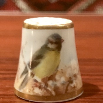 Royal Worcester Stinton Thimble 1941 - China and Dinnerware