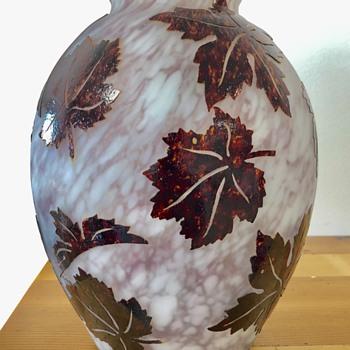 Hero Art Deco vase  - Art Glass