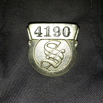 Employee Badge (Detroit?) - Medals Pins and Badges