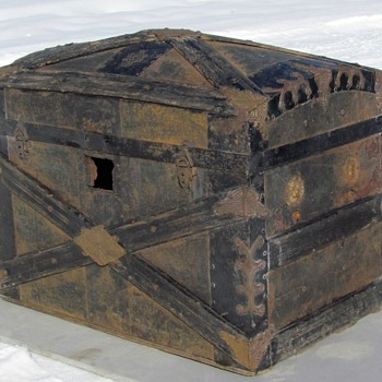 1890's X Slat Dome top Trunk   F. Eggeman & Co. patented 1884 John Duguid  - Furniture