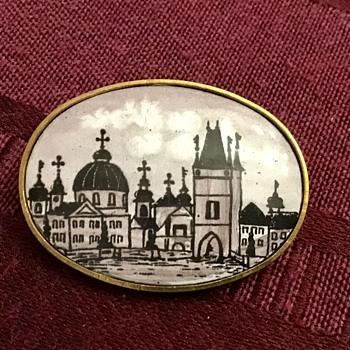 Antique enamel brooch - Fine Jewelry
