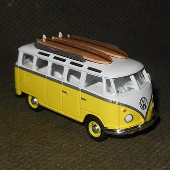 Greenlight Collectibles VW Samba Bus and Shasta Airflyte Part 2 - Model Cars
