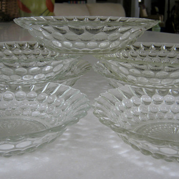 'BUBBLE' GLASS BOWL by Anchor Hoccking - Glassware