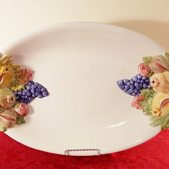 CR Made in Italy Majolica Italian Ceramic platter fruit design  - Pottery
