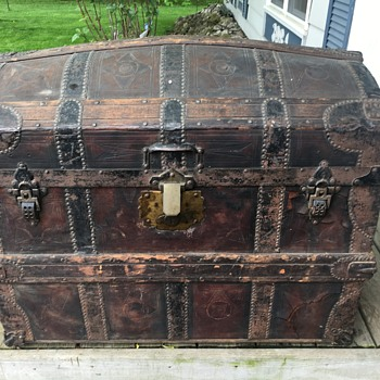 Early to mid 1870's WATKINS WOLFF & CO'S leather trunk. - Furniture