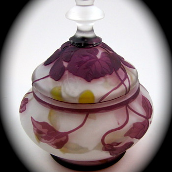 "Kralik Cameo Glass Covered Jar, ca. 1905-1910, signed ""Kralik"" - Art Glass"