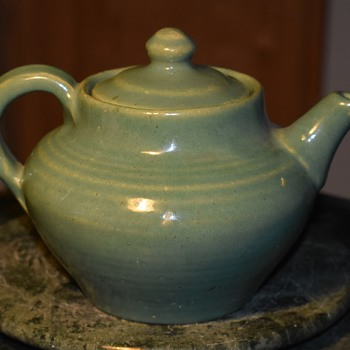 Art Pottery Teapot? California Pottery?  or what? - Pottery