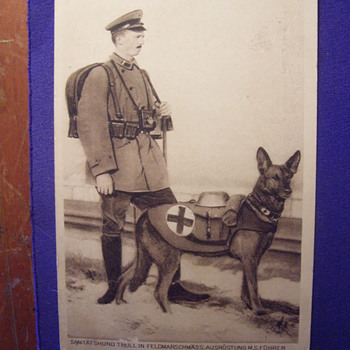 CAMERAMAN MILITARY MAN 1918 WW1.WITH RED CROSS GERMAN SHEPHARD DOG - Military and Wartime