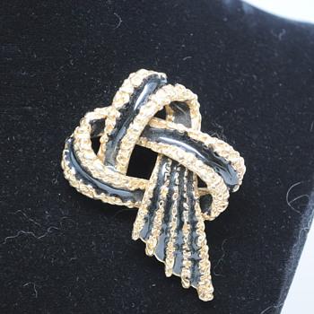 Enamel Knot Brooch - Costume Jewelry