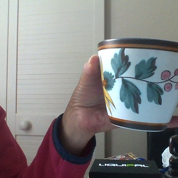 My inherited pot from my gorgeous mum I miss daily - Pottery