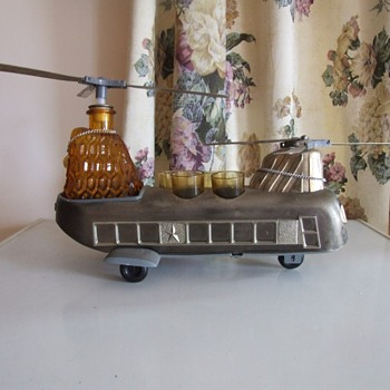 Rare Chinook helicopter bar set - Bottles