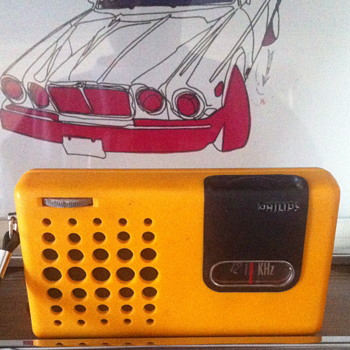 Philips transistor radio.