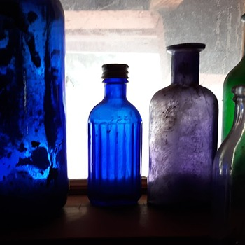Hazel Atlas Cobalt Blue Ribbed Medicine Bottle - Bottles