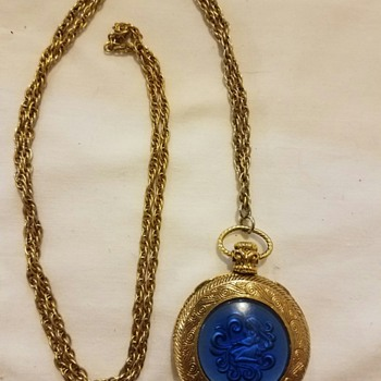 Vintage Blue and Gold Tone Necklace with Lovely Pendant - Costume Jewelry