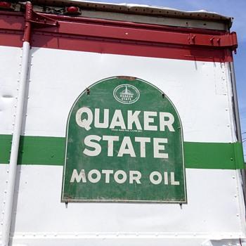Quaker tombstone - Petroliana