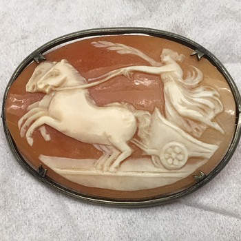 Cameo Pin - Fine Jewelry