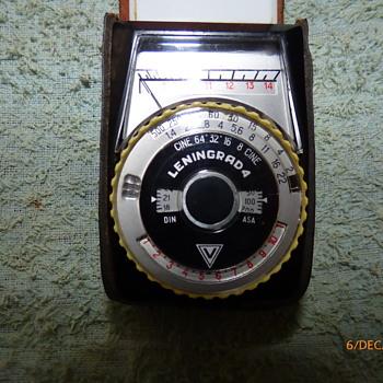 1968-leningrad 4 exposure meter.
