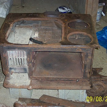 Liberty Bond Cook Stove made by Armstrong Stove & Manufacturing Company, Perryville MD