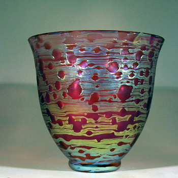 "Loetz pink ""Orbulin"" vase - Art Glass"