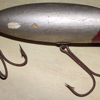 Old lure -- SOS - Fishing