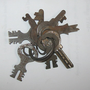 More Old Keys / Tin - Tools and Hardware