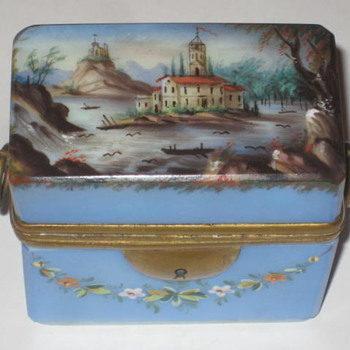 Glass Box French/German Opaline - Pottery