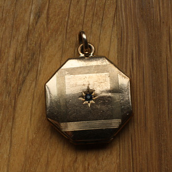 1930's gold filled locket - Fine Jewelry