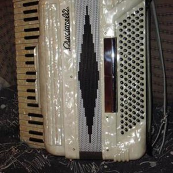 Pearl Accordian