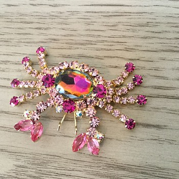 PINK CRAB...from D & E sea life collection! - Costume Jewelry
