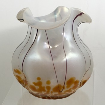 Teplitz/Pallme-Koenig opal glass vase, violet threads and orange oil spots, ca. 1905 - Art Glass