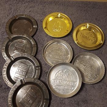 small metal ashtrays/coasters - Advertising
