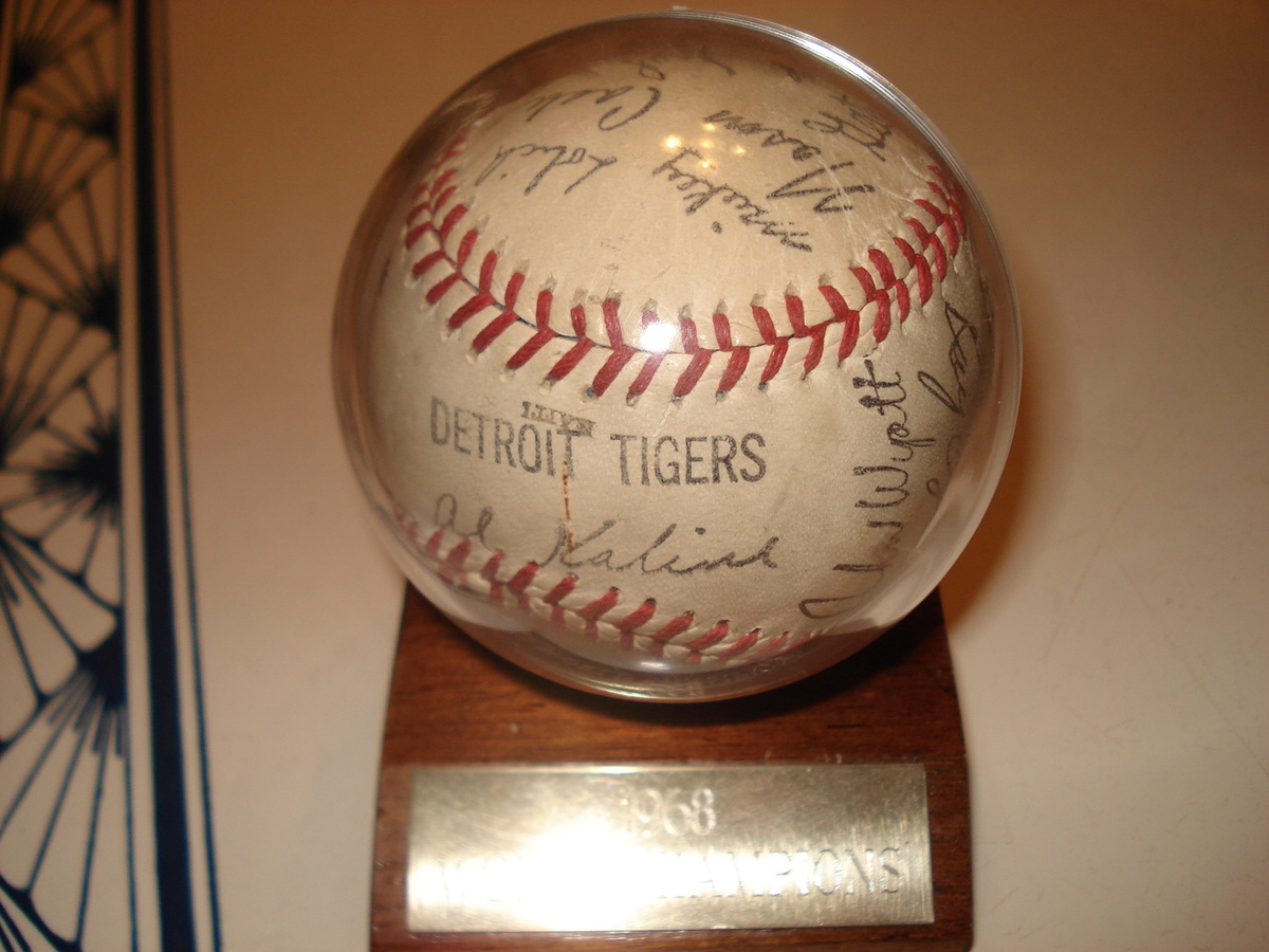 1968 Detroit Tigers Baseball Signed By The Whole Team Collectors