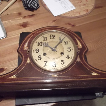 Unknown Vintage Mantel Clock