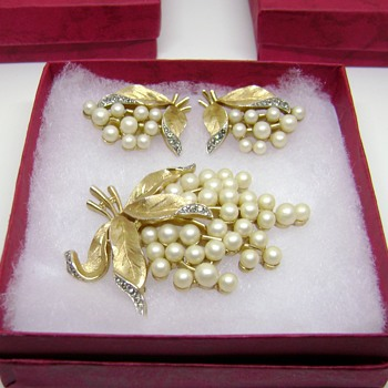 Trifari Brooch Set - Gems of the Sea - Costume Jewelry