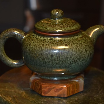 Tenmoku or Oil Spot Teapot - signed Jian Xiang Yu? - Asian