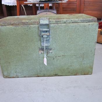 Vintage Green Metal Ice Chest Cooler - Information?