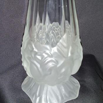 Beautiful Stretch Pull Vase (?) - Art Glass