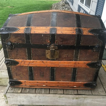 Mid to late 1870's Romadka brothers trunk. - Furniture