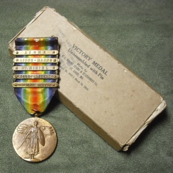 WWI US Victory Medal for 2nd Division with box - Military and Wartime