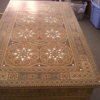 Mother of Pearl Inlay Desk and Chair from Syria. - Furniture