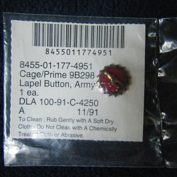 Active Duty Army Minute Man Lapel Pin - Military and Wartime