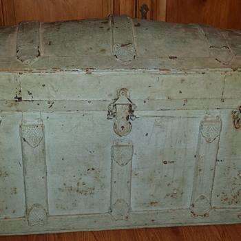 my grandmothers chest - Furniture